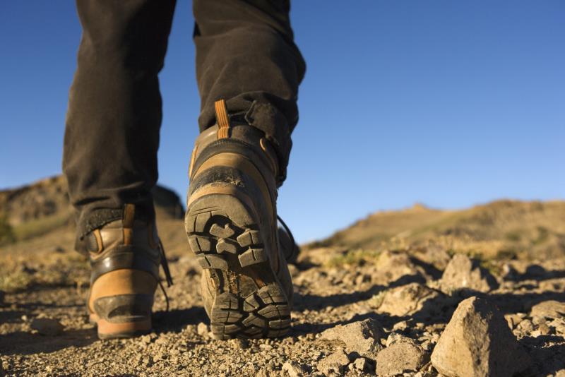 11 accessoires indispensables pour un trek en toute sécurité