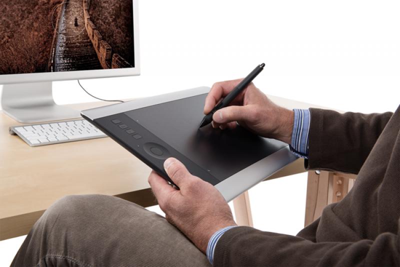 Wacom Intuos Pro Pen & Touch Medium Tablette Graphique
