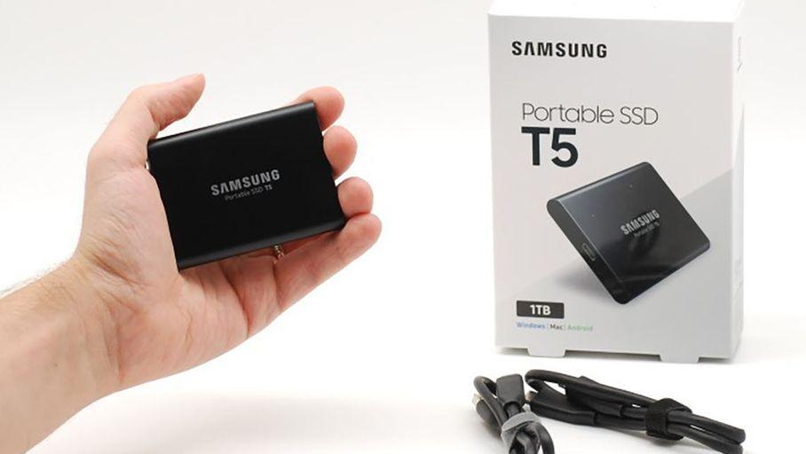 Le disque externe SSD Samsung T5 est discrêt et performant.