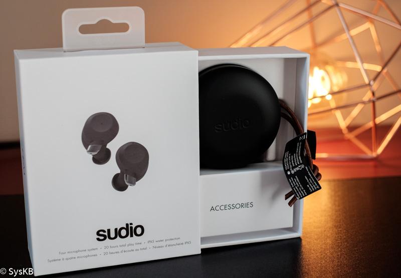 Déballage des écouteurs True Wireless intra auriculaire Sudio Fem