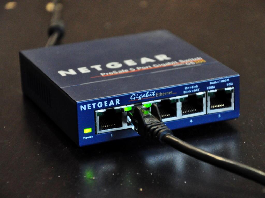 Switch Netgear pour connecter vos appareils multimédia sur votre box